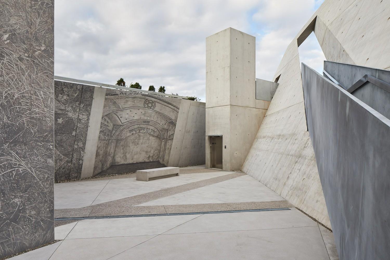 Modern Architect - National Holocaust