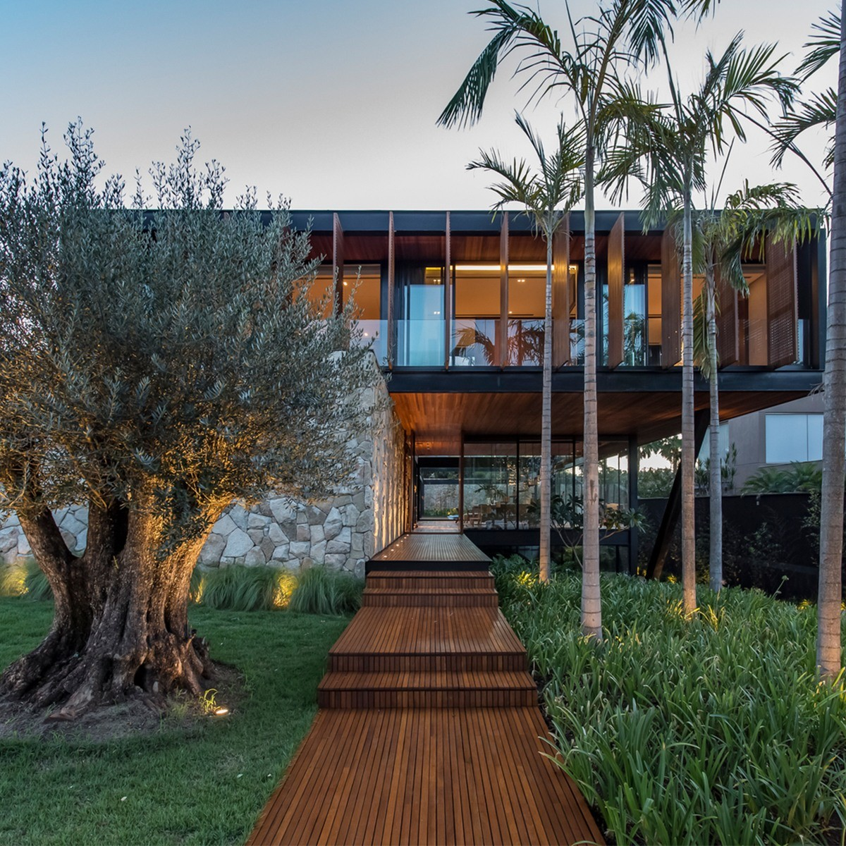 AB Residence - Modern Architect