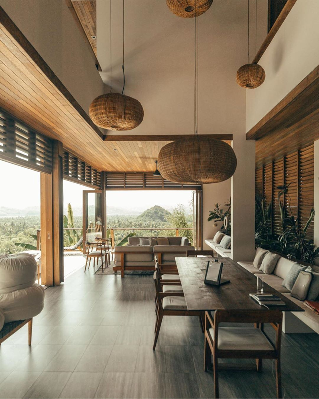 Modern Architect Magazine - Villa Sorgas (1)